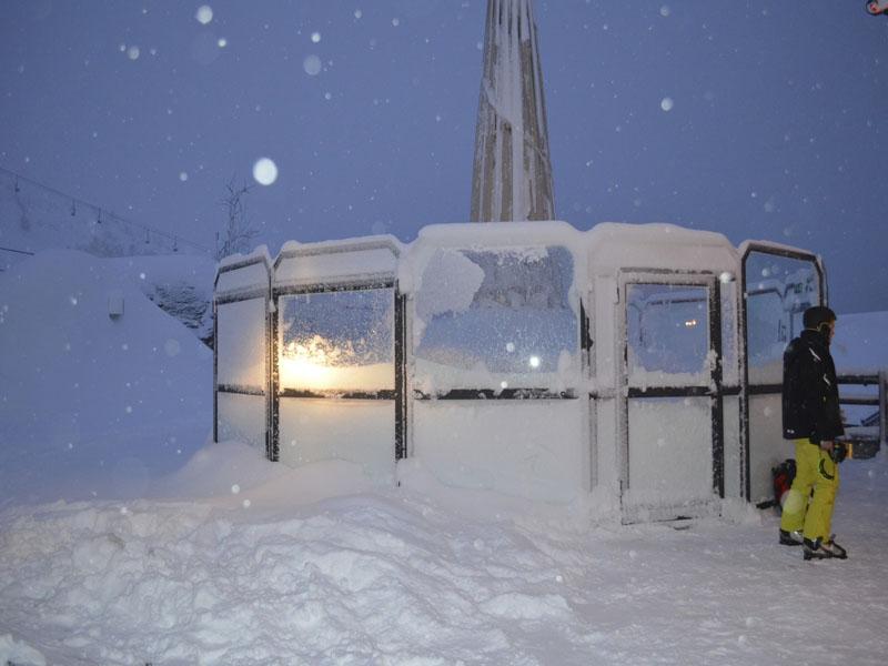 le bar sous la neige